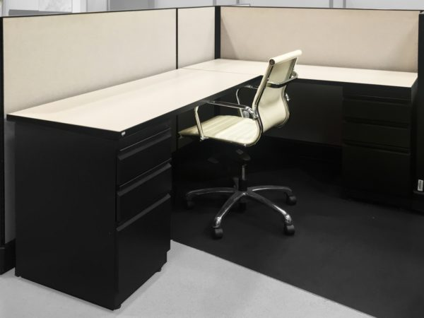 Herman Miller AO2 in Light Grey 3DE03 at Office Liquidation