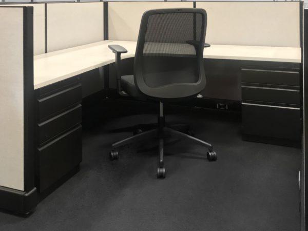 Best price New Desks at Office Liquidation