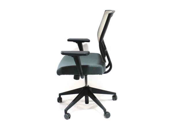 Sit on It Focus Green Chair (Sand Mesh Back and Swivel Tilt) in Green at Office Furniture Outlet